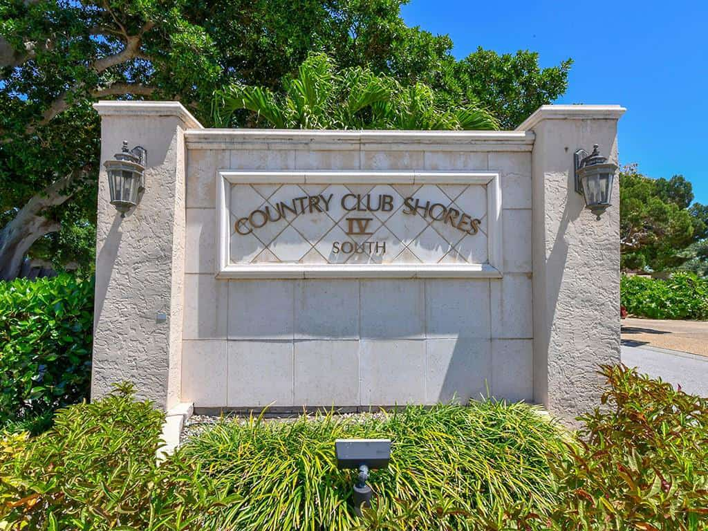 Country Club Shores homes for sale in Longboat Key, FL.